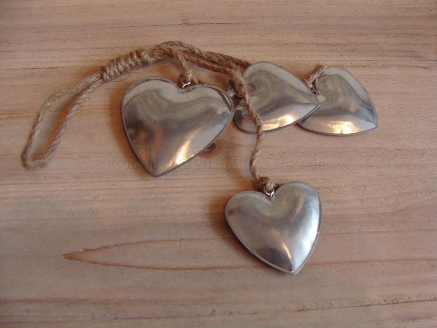 CR150107-four-silver-hearts (3)