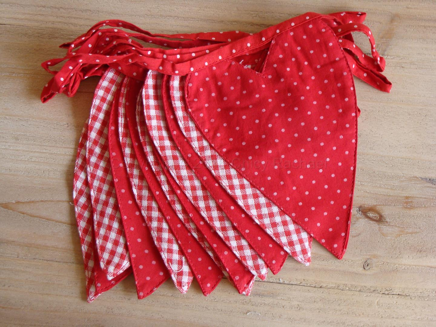 CR151332-red-heart-bunting--2