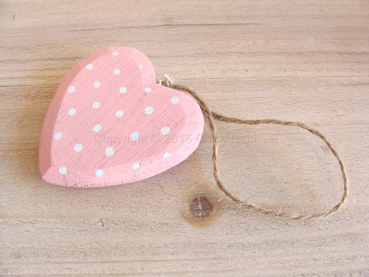 CR151385-pink-polka-dot-heart-2