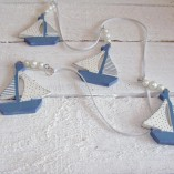 Blue And White Sail Boat Garland 1