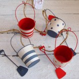 Blue, White And Red Buckets And Spades Garland 1