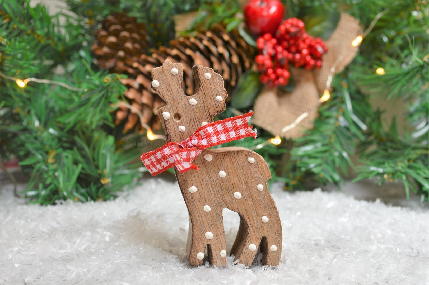 Small Spotty Wooden Reindeer