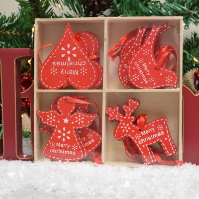 Set Of 16 Red Christmas Decorations