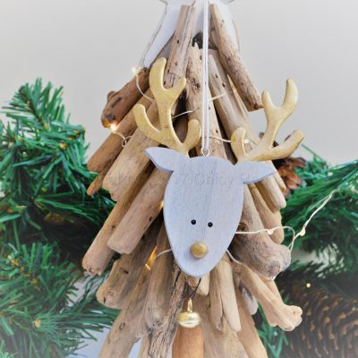 Hanging Reindeer Head With Gold Antlers 2
