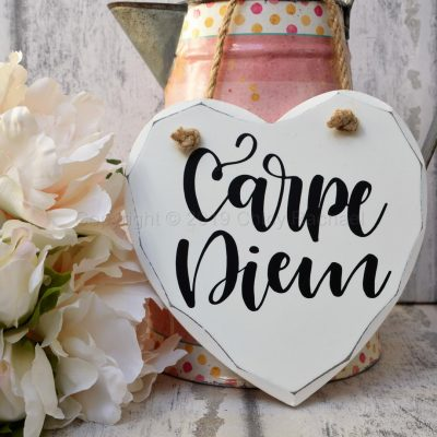 CARPE-DIEM-WOODEN-HANGING-HEART-7