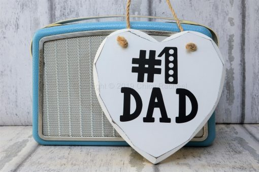 NO-1-DAD-WOODEN-HANGING-HEART-3